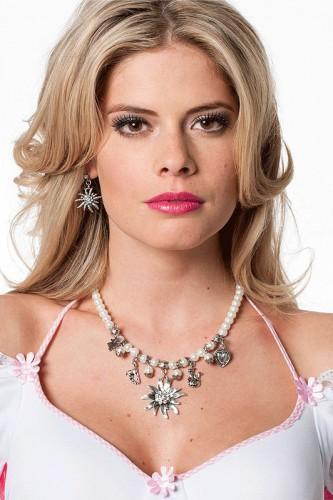 Edelweiss parelketting. parelketting met zilverkleurige bedels waaronder een hart, edelweiss bloem en een ...