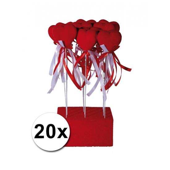 Decoratie hartjes 20 stuks. set van 20 rode decoratie hartjes van fluweel op plastic stok. het hart is ca. ...